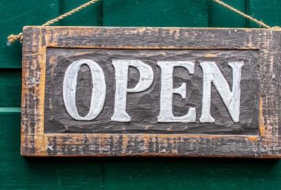 DEHOGA-Übersicht: Wichtige Informationen und Dokumente zur Wiedereröffnung